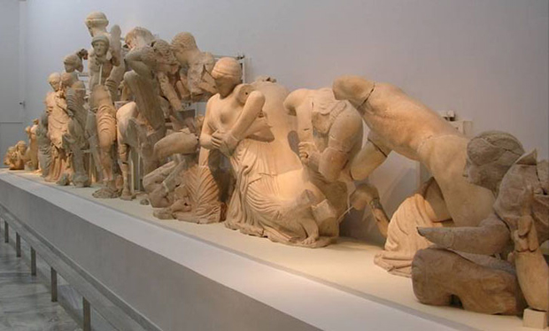 greek art essays ancient greek art can be divided into four forms: architecture, sculpture, painting, and painted pottery there are numerous examples of each, with the exception of painting.