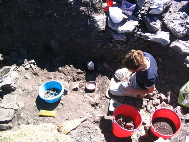Fig. 2: Susan Mentzer collecting soil samples from Trench Z for micromorphological analysis.