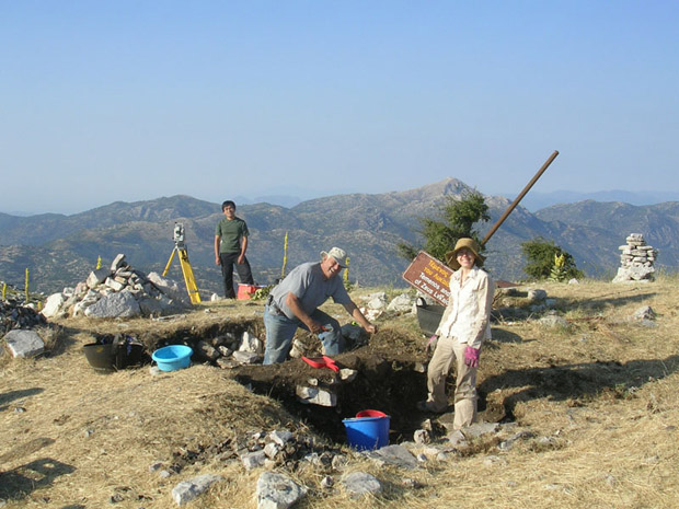 Fig. 7: Arvey Basa, Art Rohn, and Alexis Belis at work in Trench Z.