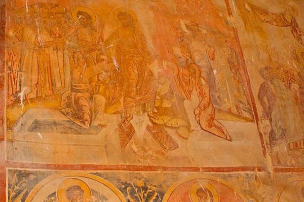 Ruined chapel in Figilea